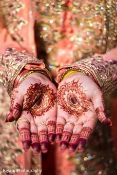 bridal jewelry,indian bride,mehndi art