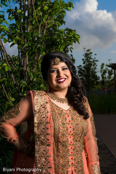 indian bride fashion,indian bride portrait,outdoor photography