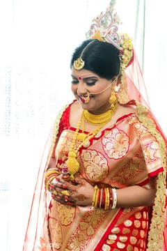 indian bride hair and makeup,indian bride fashion,bridal jewelry