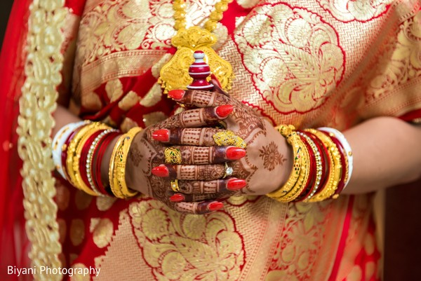 indian bride,bridal jewelry,mehndi art