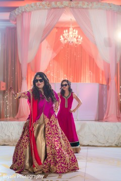 indian wedding reception,indian bride fashion,indian wedding reception performers