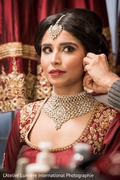indian bride,indian bride hair and makeup,indian bride getting ready,bridal jewelry