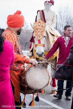 indian wedding baraat,baraat horse,indian groom,dhol player
