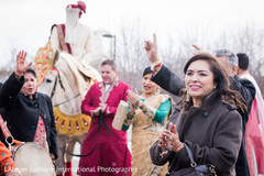 indian wedding baraat,baraat horse,indian groom,baraat procession