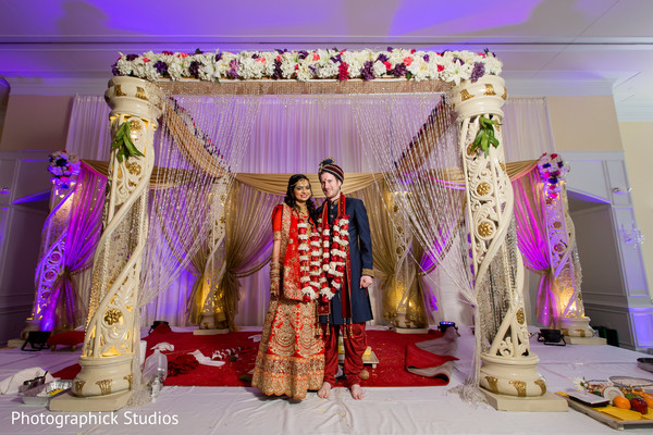 indian wedding ceremony,indian bride and groom,indian wedding ceremony photography,mandap