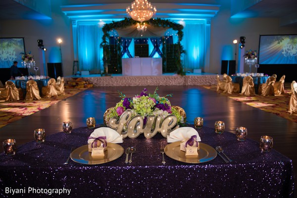Beautiful indian lovebirds table