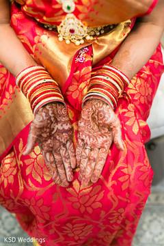 indian bride,mehndi art,bridal jewelry,maharani's bridal bangles