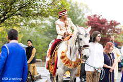 indian wedding baraat,indian groom fashion,baraat horse