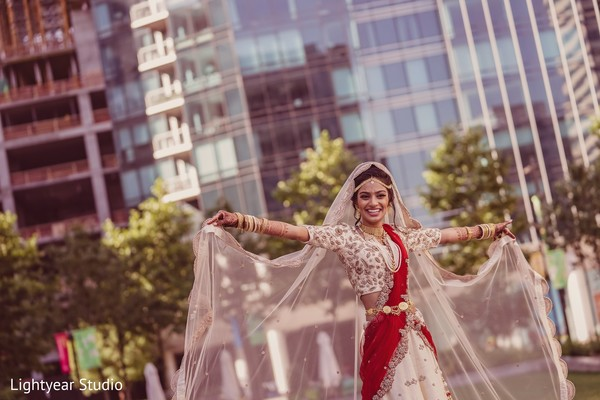 indian bride fashion,dupatta,indian wedding photography