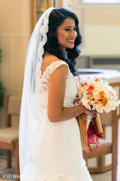 indian wedding ceremony,indian wedding ceremony photography,indian bride fashion,indian bridal bouquet
