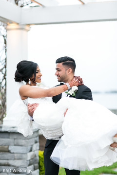indian wedding photography,indian bride and groom,outdoor photography