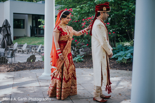 indian bride and groom,indian wedding fashion,indian wedding photography