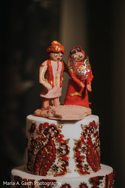 Insanely cute Indian cake topper.