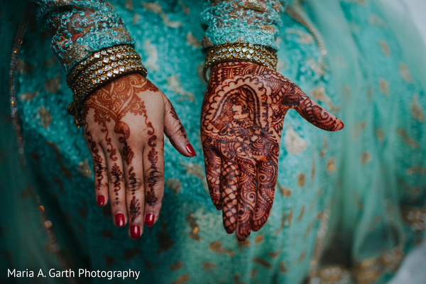 indian bridal henna,indian bride,mehndi