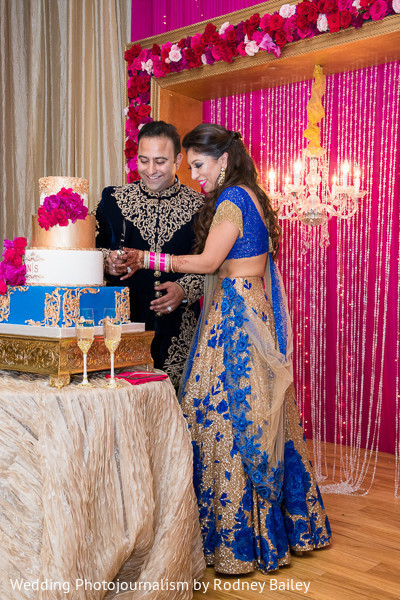 indian wedding reception,indian wedding cake,indian newlyweds