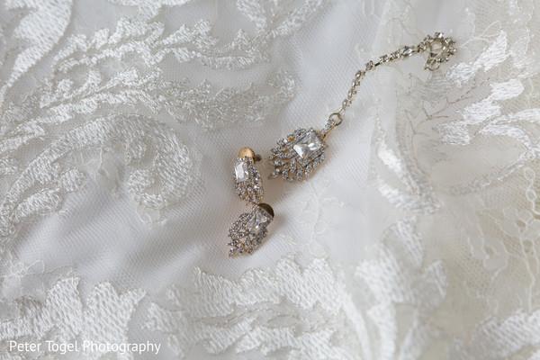 Dazzling Indian bride jewelry.