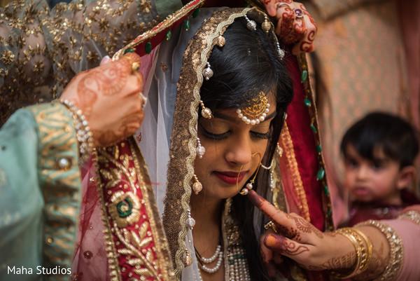 pakistani bride,pre-wedding ritual,pre-wedding photography