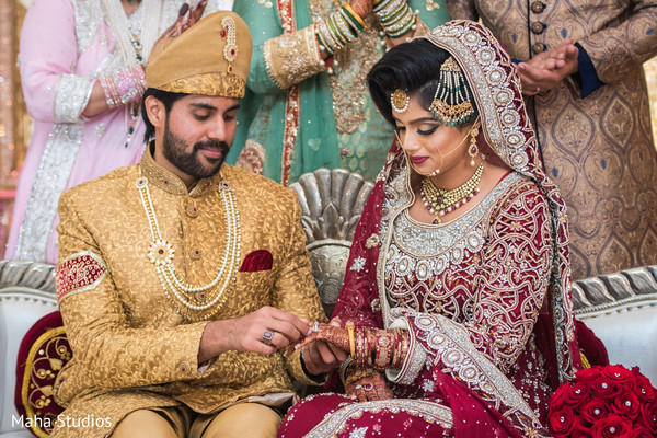 pakistani wedding ceremony,pakistani bride and groom,nikah