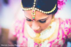 bridal jewelry,bridal tikka,indian bride