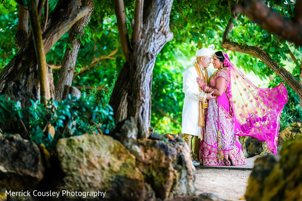 outdoor photography,indian bride and groom,indian wedding gallery
