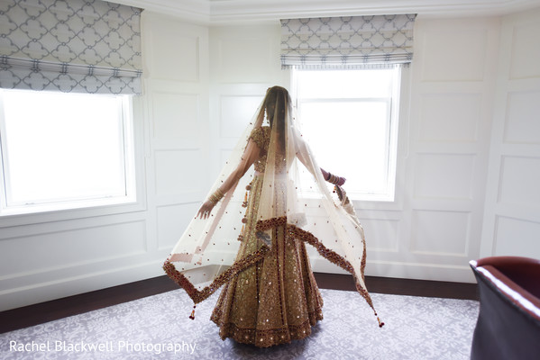 bridal lengha,golden lengha,indian bride fashion