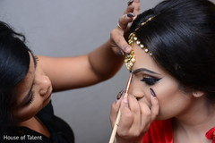 indian bride,getting ready,indian wedding photography,hair and makeup