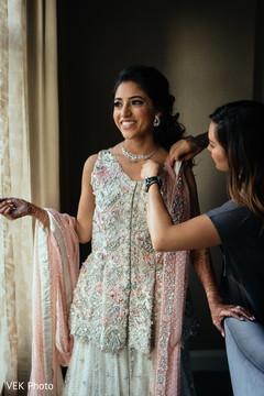indian bride,getting ready,indian bridal fashion