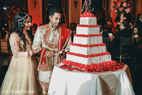 indian wedding cake,white and red cake
