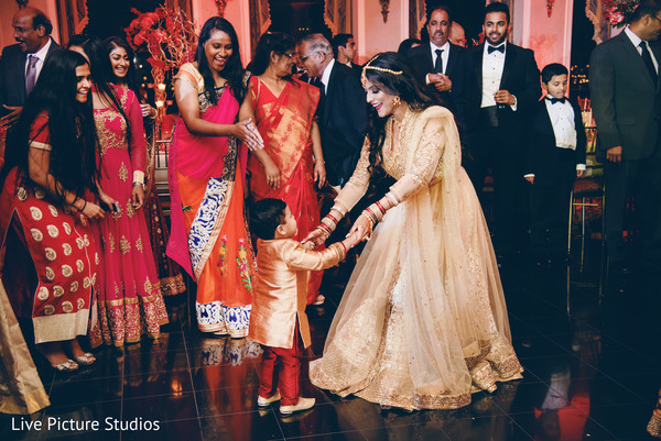 bridal lengha,golden lengha,indian wedding reception