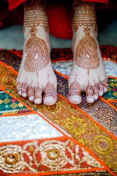 indian bridal mehndi,mehndi art,indian bride
