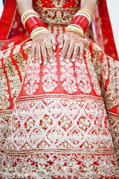 indian bridal mehndi,mehndi art,indian bride,bride bangles