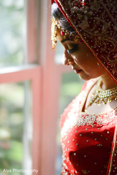indian bride fashion,bridal jewelry,bridal tikka