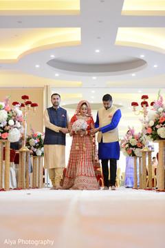indian wedding ceremony,indian bride lengha,indian bridal bouquet