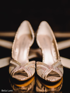 indian bridal shoes,indian bride fashion
