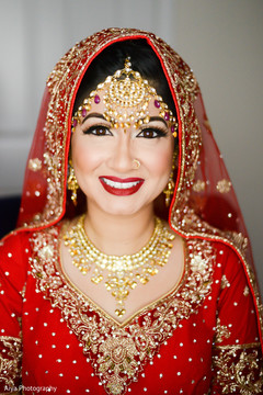 Glamorous indian bride's portrait