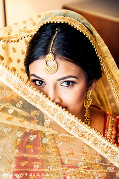 bridal makeup,indian bride jewelry,golden dupatta