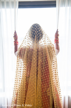 indian bride fashion,golden dupatta,dupatta