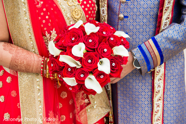 bridal bouquet,indian bride fashion