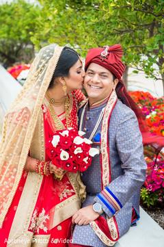 indian bride fashion,indian groom fashion,bridal bouquet