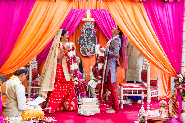 indian wedding,indian wedding ceremony,jaimala