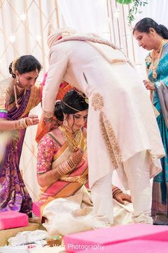indian wedding,indian groom,mangalsutra
