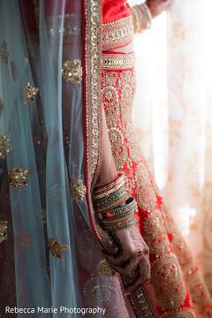 indian bride fashion,bridal mehndi art,indian bride getting ready,bridal jewelry