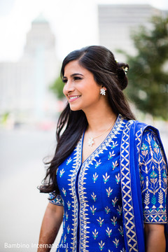 indian bride fashion,outdoor photography