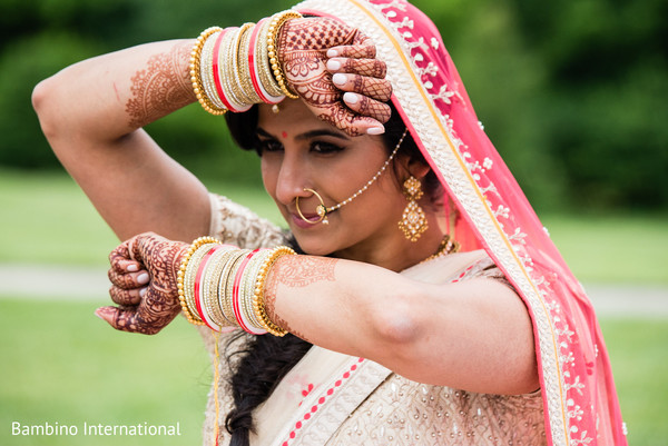 indian bride fashion,indian bridal jewelry,mehndi art
