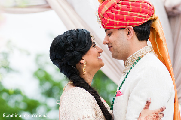 ndian bride and groom,indian wedding gallery,outdoor photography
