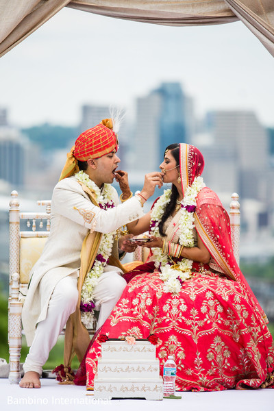 indian wedding ceremony,indian wedding ceremony photography,indian bride and groom,kansar bhakshan