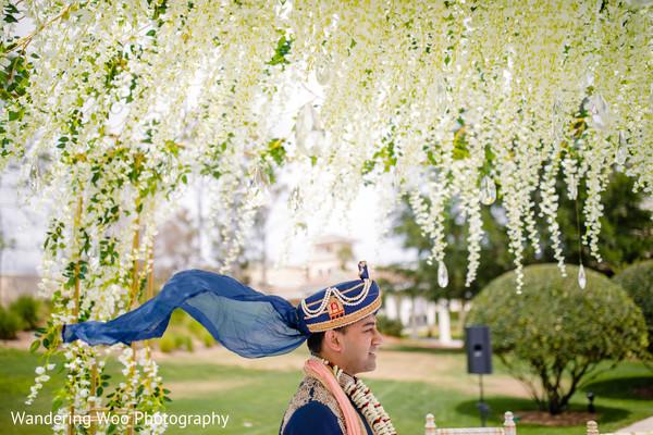 indian groom fashion,indian groom,blue turban