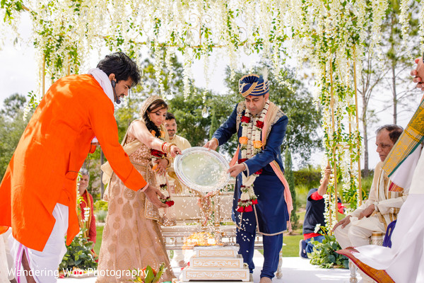 indian wedding,wedding ceremony,indian wedding traditions