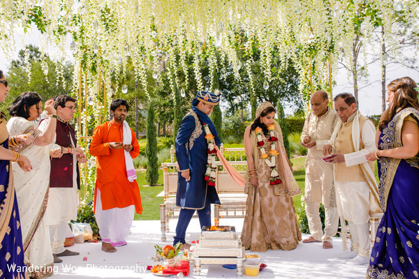 indian wedding,seven steps,indian couple