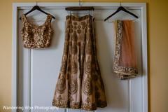 bridal lengha,indian bride fashion,golden lengha